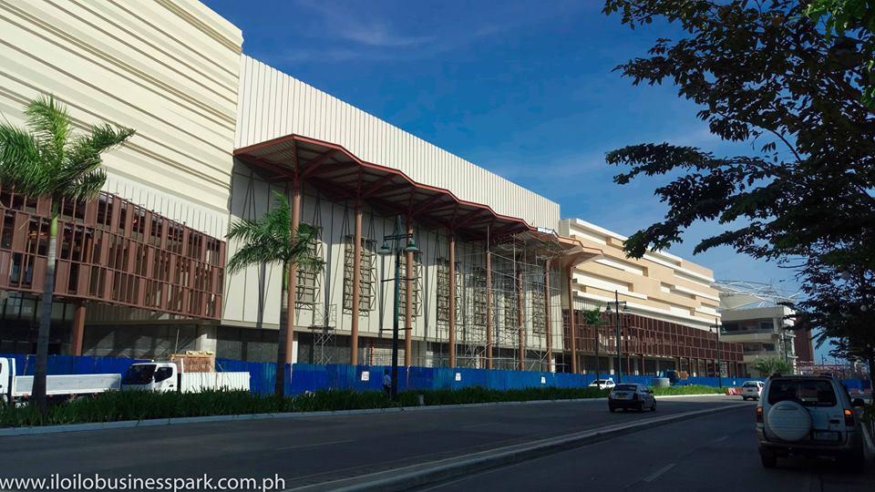 megaworld festive walk mall